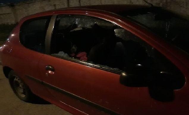 Dañaron un auto cerca de la cancha de El Fortín