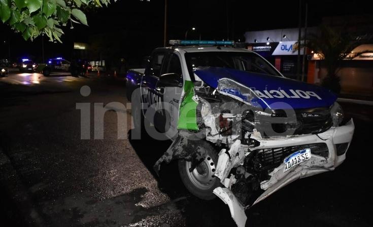 Impactante choque con heridos: un patrullero, un auto y una bicicleta involucrados