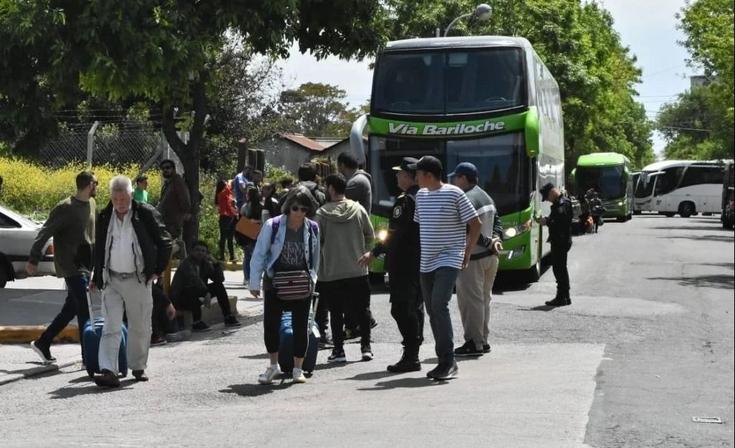 Choferes bloquean el ingreso de micros a la terminal de Mar del Plata