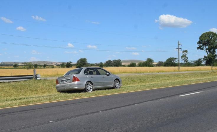 Chocaron dos autos en la Ruta 226: una mujer resultó herida