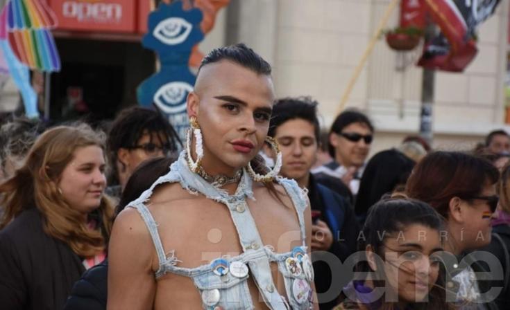 Igualdad y brillos: la Marcha LGBTIQ+ en imágenes