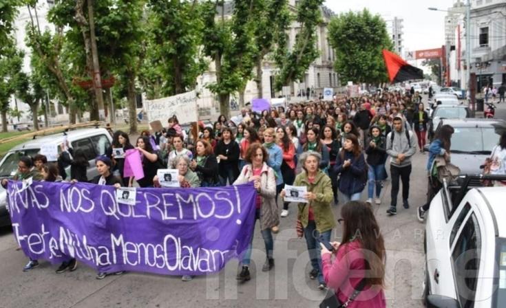 """Paro Nacional de Mujeres: en Olavarría marcharon y pidieron """"justicia por Lucía"""""""