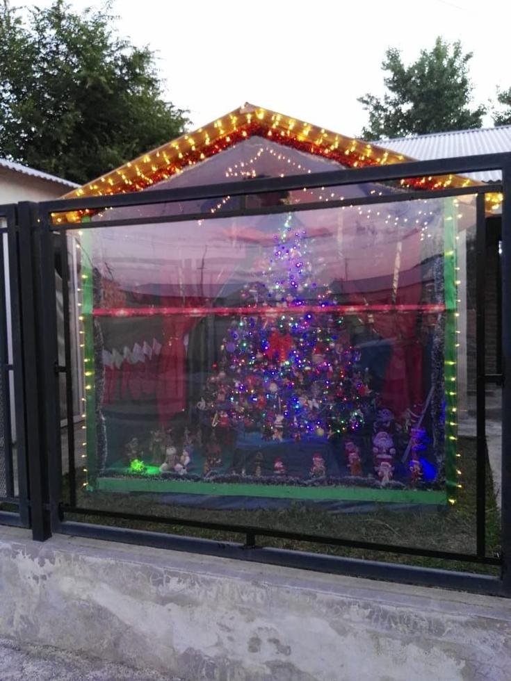 """La Navidad de Adrián y su """"súper arbolito"""""""