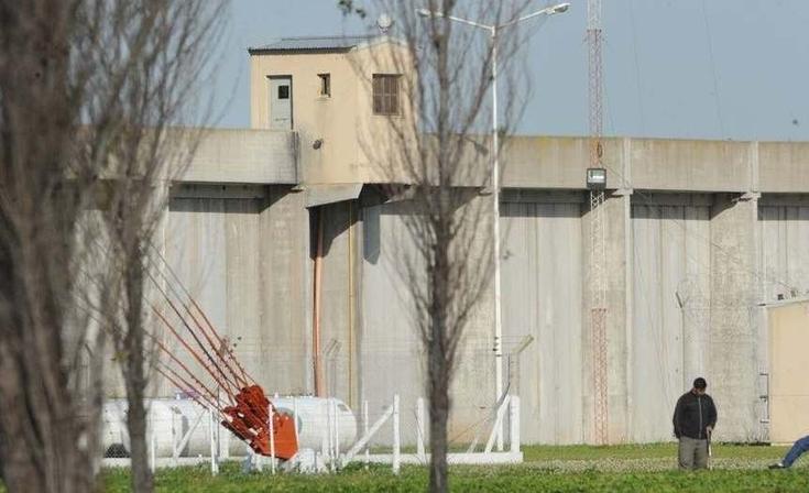 "Penitenciario olavarriense fue atacado a ""facazos"" por un preso en Campana"