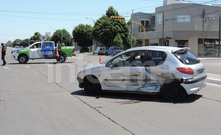 Violento choque sobre la avenida Colón